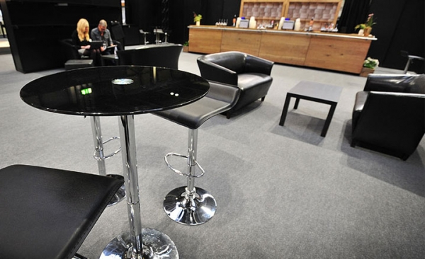 Furniture rental for networking at exhibitions
