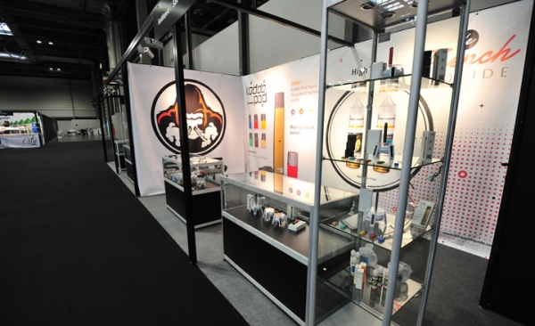 Glass showcase rental for exhibitions