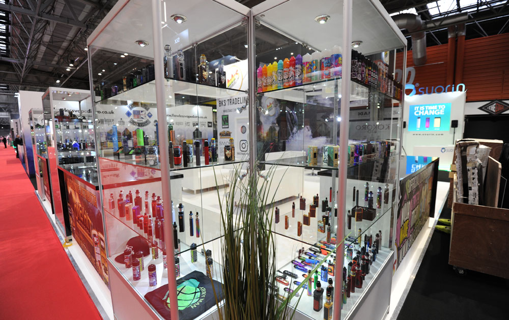 tall glass showcases for exhibitions